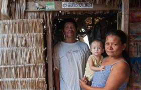 Portraitbild einer Fischerfamilie Projekte