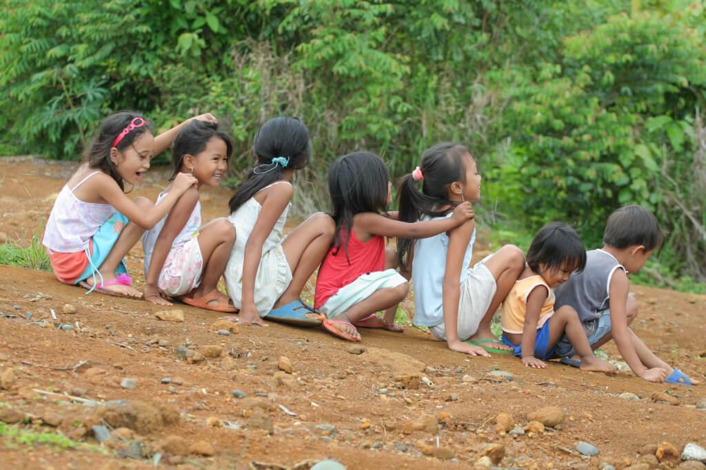 """""""Lebensfreu(n)de"""" - dieses Motto wollen die Kinder- und Jugendlichen der Jubla mit philippinischen Kindern teilen."""