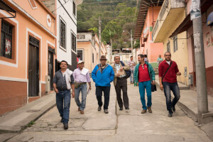 In den Gassen von Cajamarca unterwegs zum «talleres de masculinidades».
