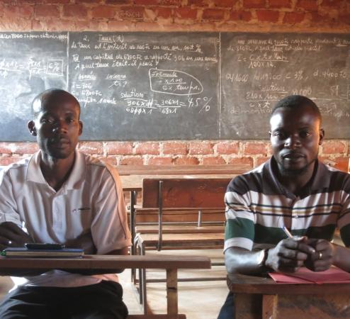 AFREWATCH, Männer bei einer Schulung, workshop, Schule
